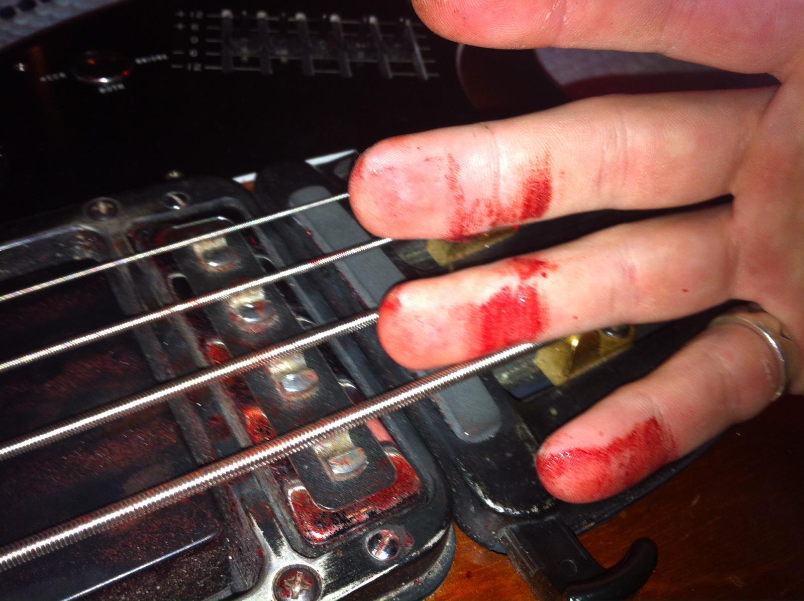 Bloody Bass Strange Guitarworks
